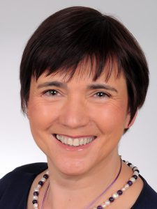 Ilona Munique, Das WEGA-Team