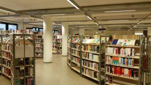 Regale der Zentralbibliothek Bremen
