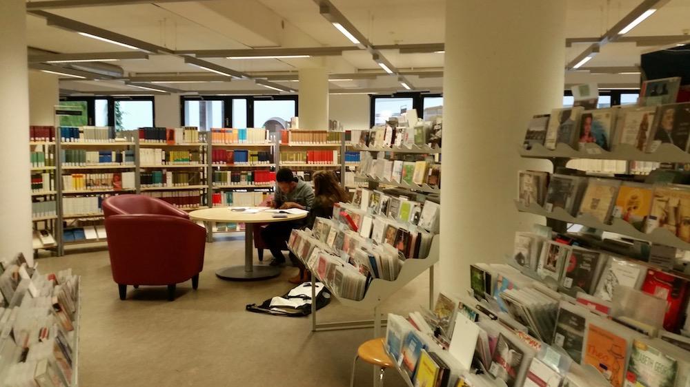 Sitzbereich der Zentralbibliothek Bremen
