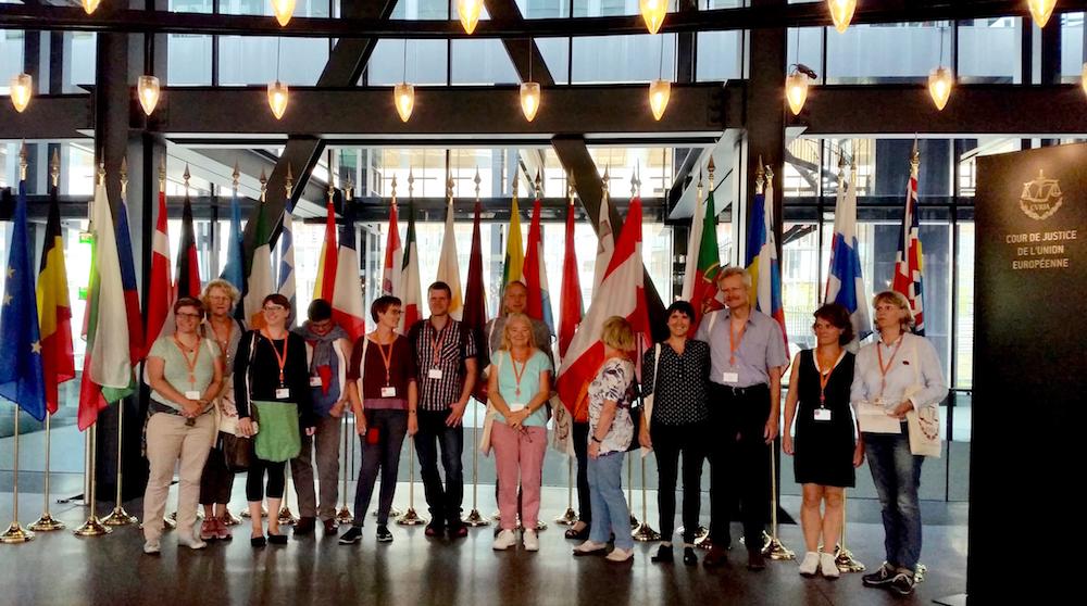 Studienreisegruppe des BIB-Mecklenburg-Vorpommerns im alten Palais des EuGH in Luxemburg