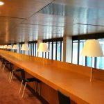 Erster Stock mit Arbeitsplätzen, Bibliothek des Europäischen Gerichtshofs in Luxemburg