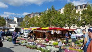 Samstäglicher Markt auf dem Place Guillaume II
