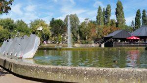 Am Wasserbecken im Merlepark (Merl-Belair)