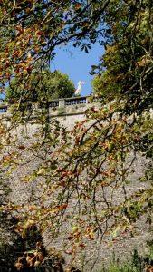 Im Tal der Petrusse erscheint die Gëlle Fra (Goldene Frau)