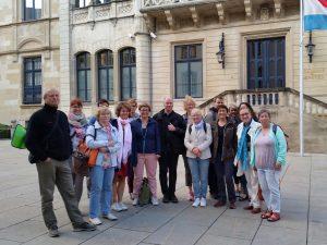 Studienreisegruppe BIB-MP mit Jean-Marie Reding in Luxemburg vor dem Großherzöglichen Palas