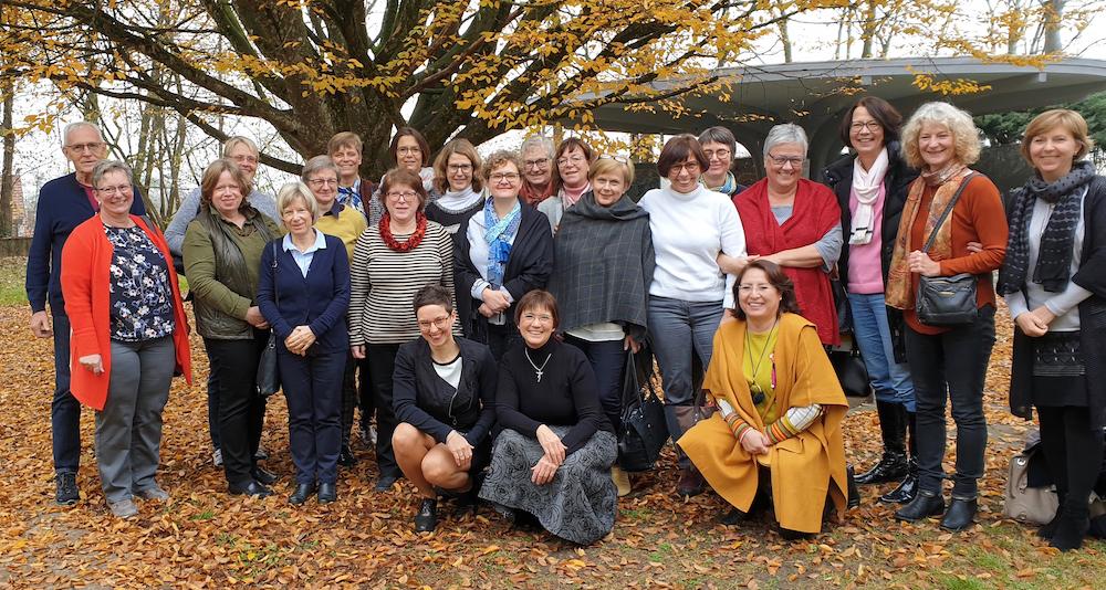 """Gruppenfoto Tagung """"Lobbyarbeit in Besprechungen""""St. Michaelsbund/Borromäusverein in Altötting."""