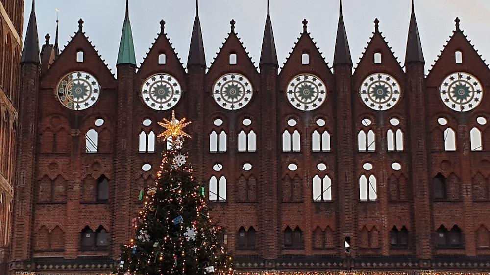 Weihnachtsmarkt in Stralsund am Alten Markt