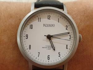 Blick auf die Uhr